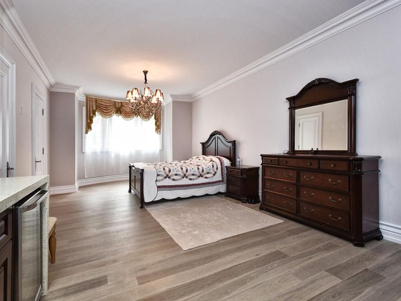 basement-bedroom-custom-home