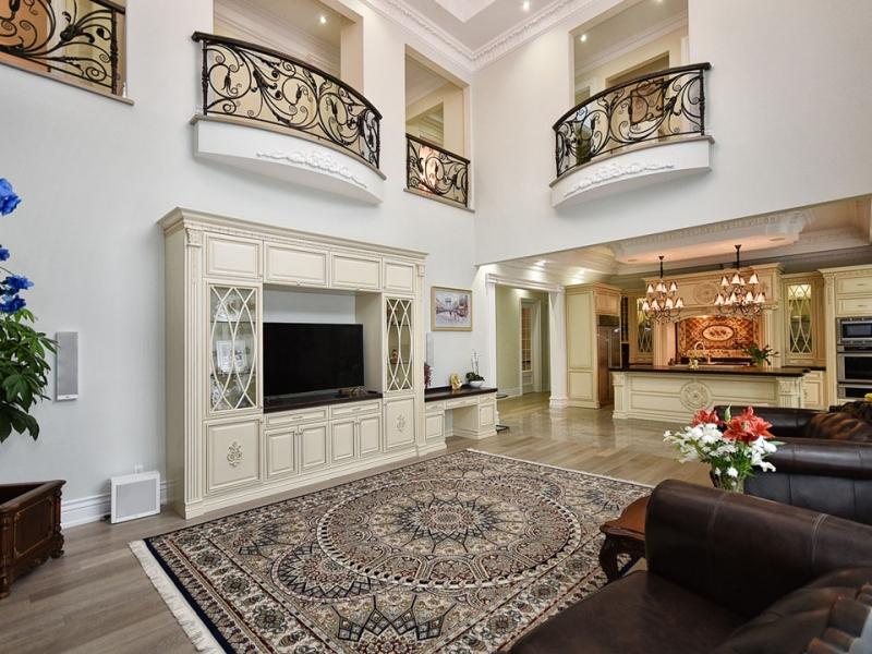 family-room-luxury-style