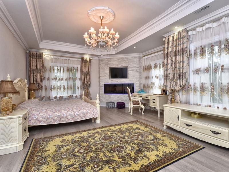 stylish-bedroom-custom-home